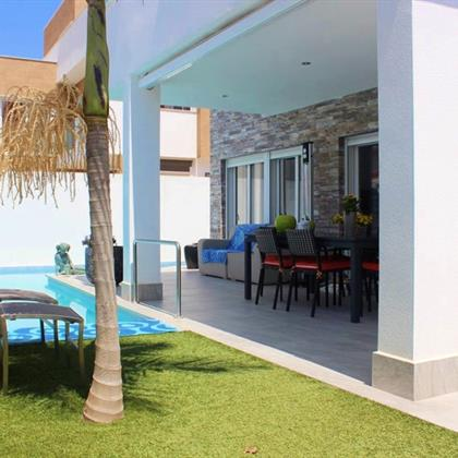 House For sale Mil Palmeras